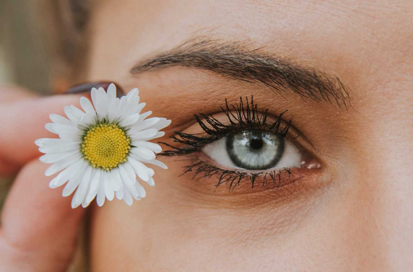 Anti ageing Avoid getting lines under the eyes beauty