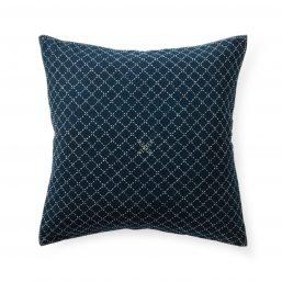 Low-key cross hatch pattern cushion cover